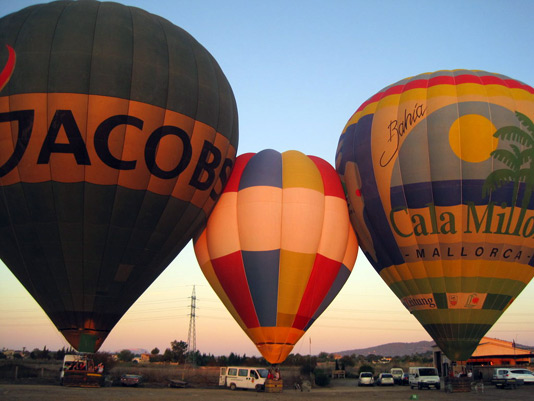 Balloon Tour + Free Buffet Breakfast